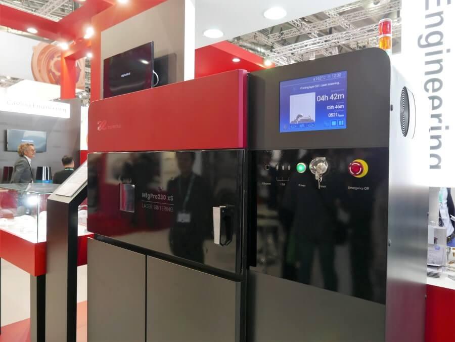 Imprimante 3D à Frittage Laser XYZprinting MfgPro-230-xS présent sur les salons industriels